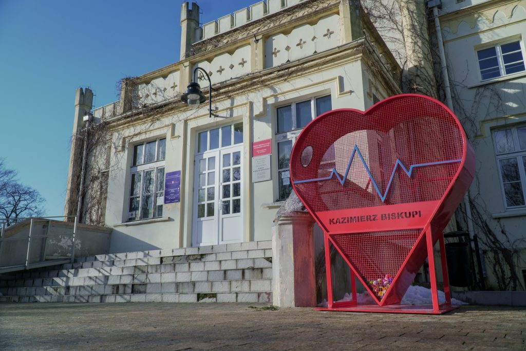 Serce przed Pałacem